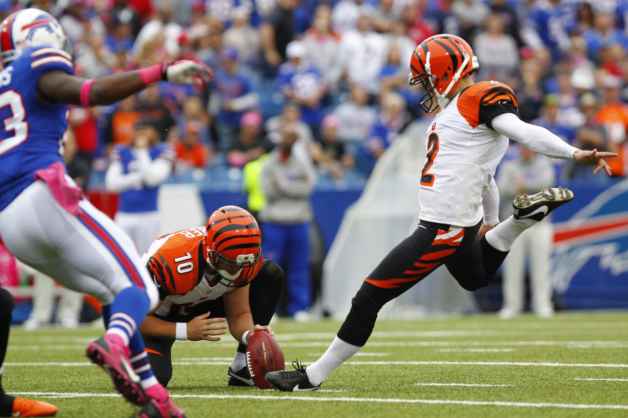bengals-bills-football-mike-nugent-kevin-huber-aaron-williams_pg_600